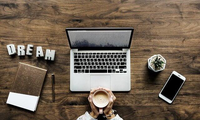 Mycket kaffe och hårt arbete kanske krävs för att bli en framgångsrik entreprenör. Lär dig arbeta effektivt!
