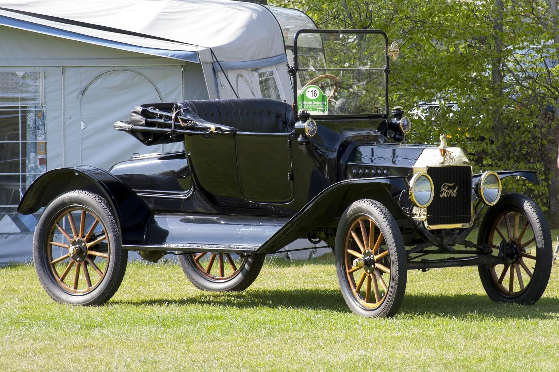 Det gjordes fina bilar för 100 år sedan. Dags att köpa ny bil?