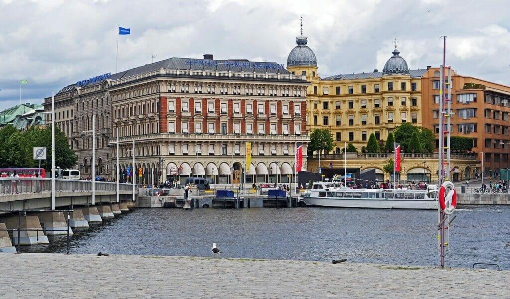 """Handelsbankens """"marmorborg"""" i hjärtat av Stockholm. Hur länge överlever storbankerna?"""