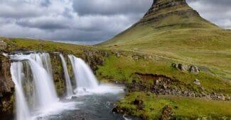 Mörka moln över Island, eller i alla fall över isländska banker.