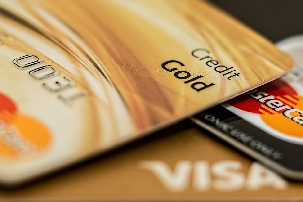 Bostadslån utgör huvuddelen av lånen med 82 procent och resten består av konsumtionslån samt lån med övriga säkerheter.